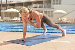 Nora Tobin, guru del fitness, in azione