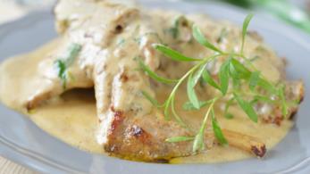 Coniglio con Malvasia, pepe rosa, salsa di zucchine e panna