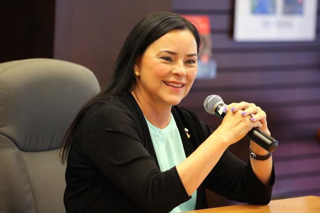 Diana Gabaldon sorridente
