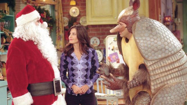 Ross contro Chandler vestito da Babbo Natale e Monica se la ride