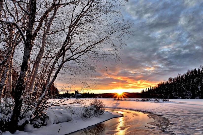 Paesaggio invernale e luce solare