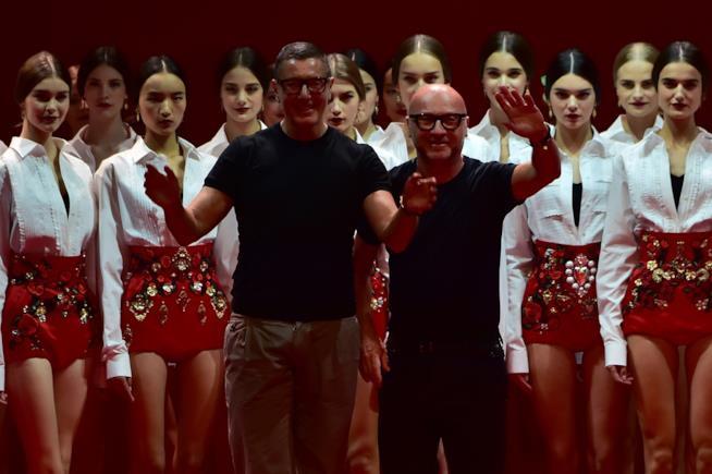 Stefano Dolce e Domenico Gabbana nel corso di una loro sfilata