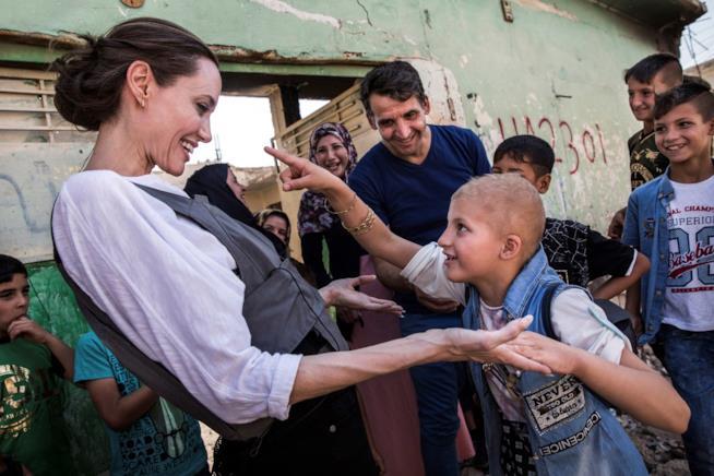 Angelina Jolie visita i rifugiati