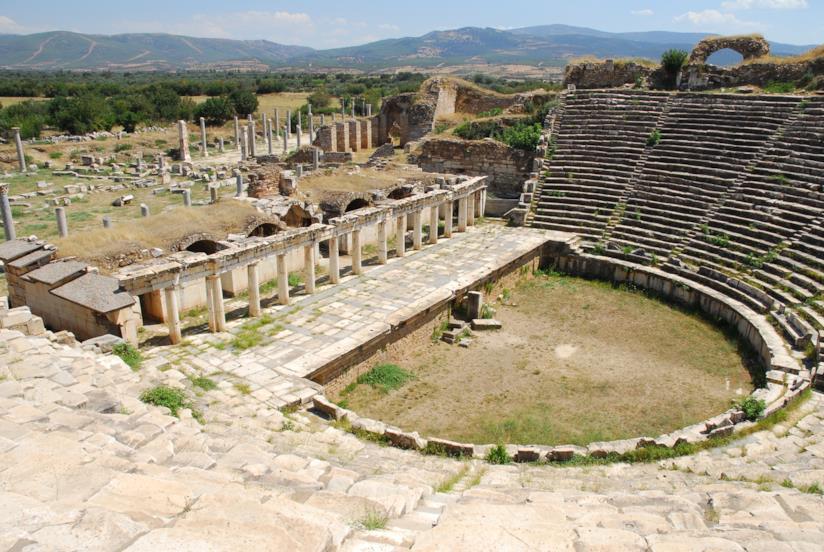 L'ampio ed elegante teatro di Afrodisia, risalente al I sec. a.C.