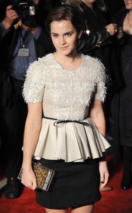 Look chic e minimal per Emma Watson