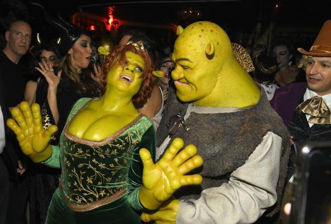Heidi Klum e Tom Kaulitz vestiti da Shrek e Fiona