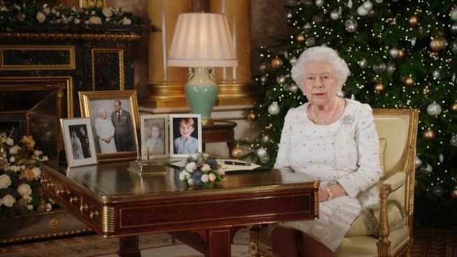 La Regina Elisabetta durante i suoi auguri di Natale