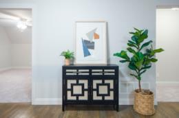 Tante idee su come arredare l'ingresso di un appartamento nello stile che preferite
