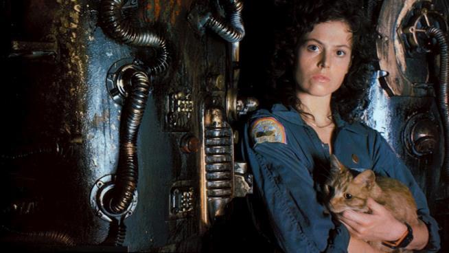 Sigourney Weaver in una foto promozionale di Alien