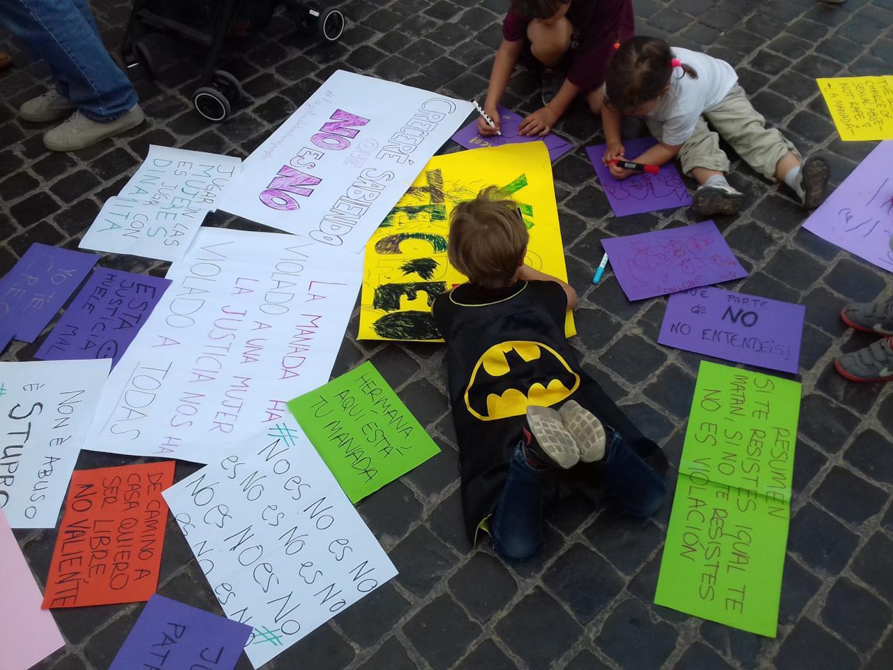 Stupro di gruppo a Pamplona, la protesta di Roma