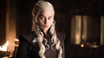 Daenerys Targaryen pensierosa