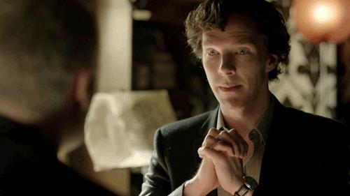 Benedict Cumberbatch che sorride in modo inquietante