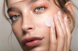 Pelle del viso sana e luminosa