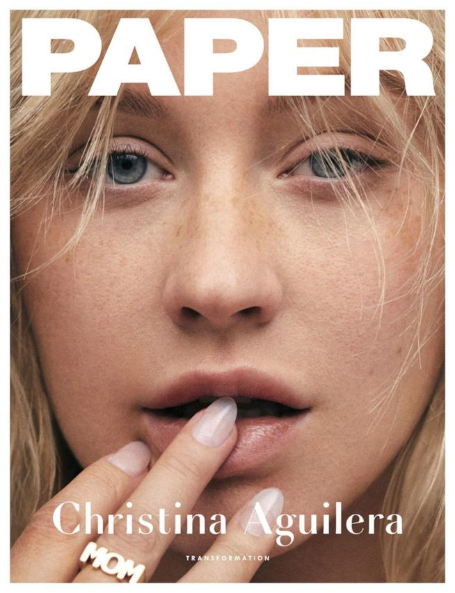 Christina Aguilera irriconoscibile senza make up su Paper