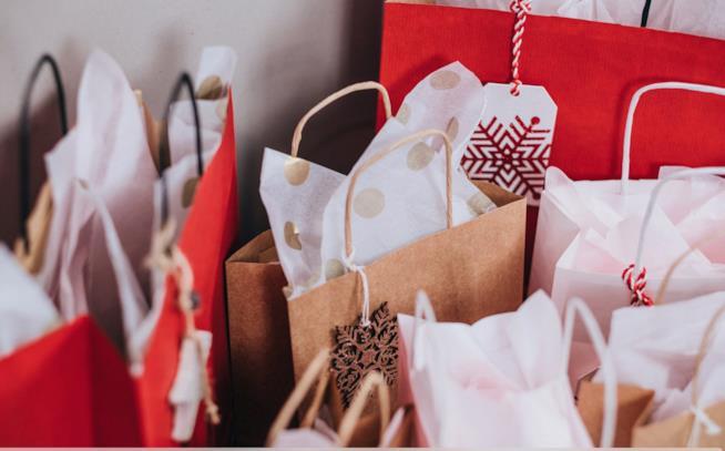 Sacchetti e buste con acquisti
