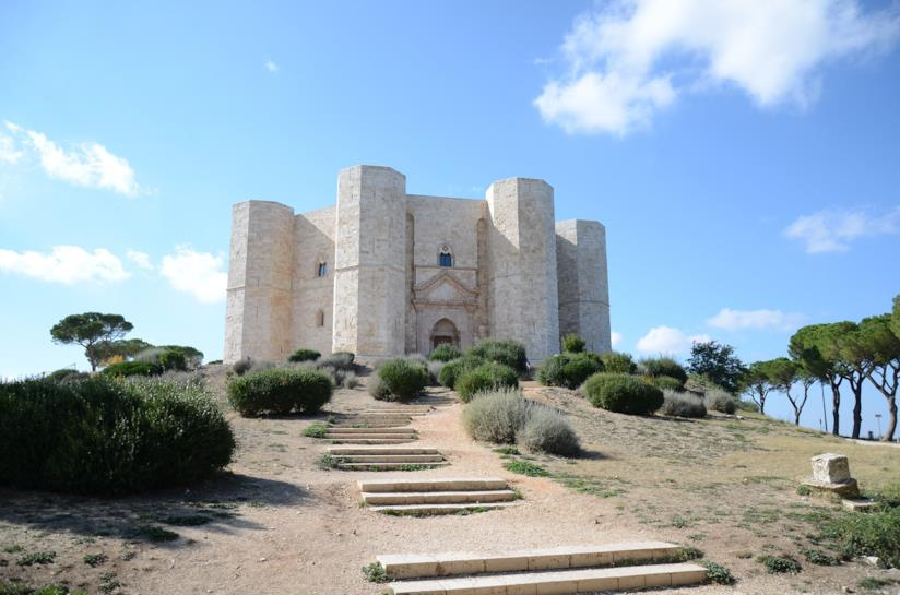 La magnifica architettura di Castel del Monte, in Puglia