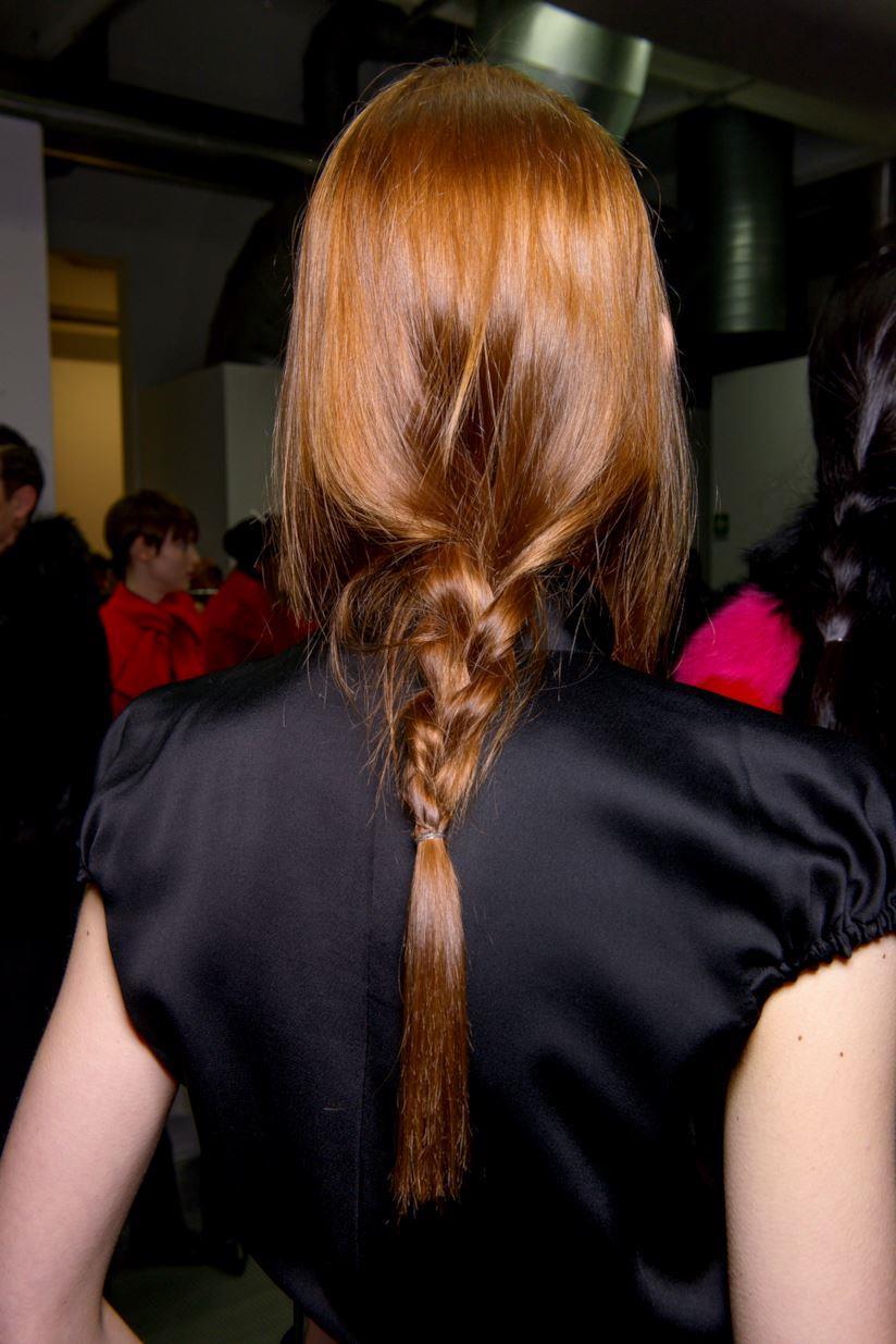 Capelli lunghi con treccia