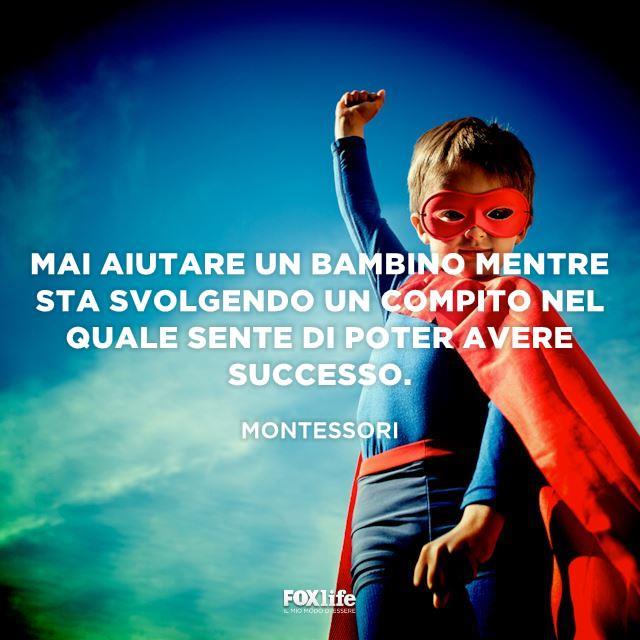 Bambino vestito da superman