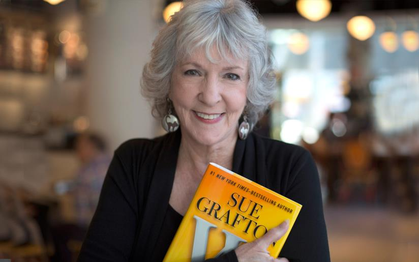 La scrittrice Sue Grafton