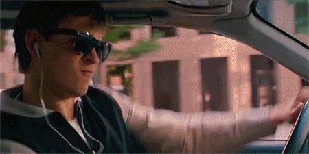 Una scena di Baby Driver in auto