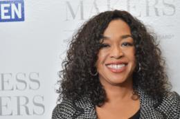 Shonda Rhimes a un evento per valorizzare le donne e la loro carriera