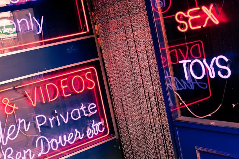 No ai tabù: l'importanza di condividere con il proprio partner giochi erotici e video hot