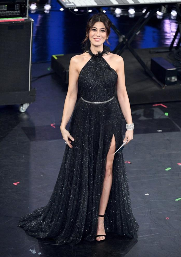 Virginia Raffaele, look quarta serata Sanremo 2019