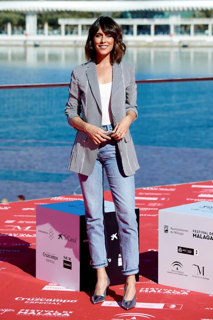 Outfit casual per ufficio jeans e giacca a righe