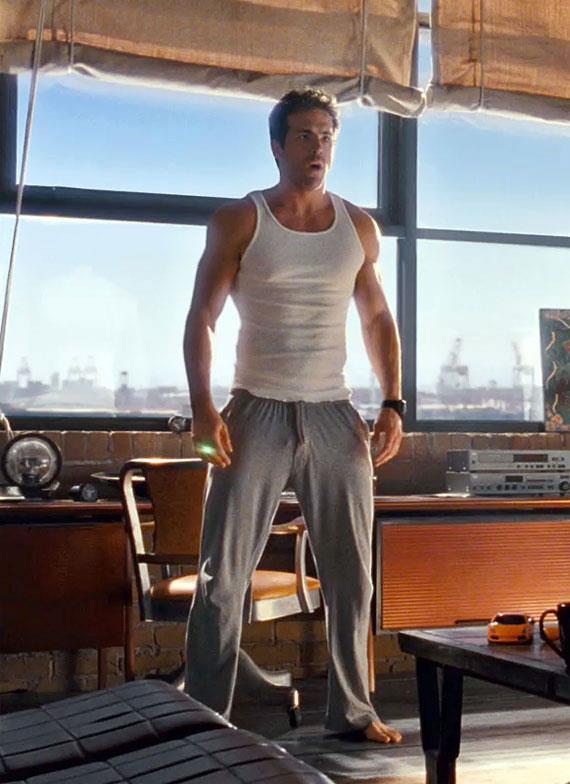 Ryan Reynolds in una scena di Lanterna Verde