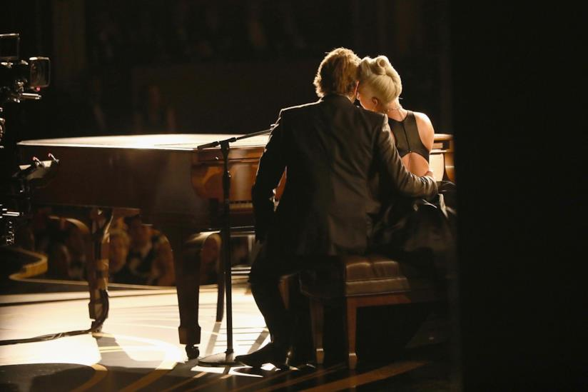 Lady Gaga e Bradley Cooper agli Oscar