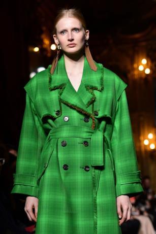 Il verde trionfa nella collezione di Mila Schon