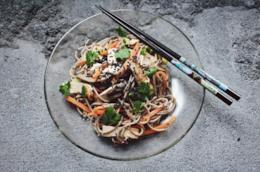 Spaghetti di Konjac in versione vegetariana