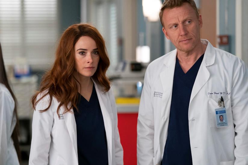 I fratelli Megan e Owen Hunt nell'episodio 20 di Grey's Anatomy 15