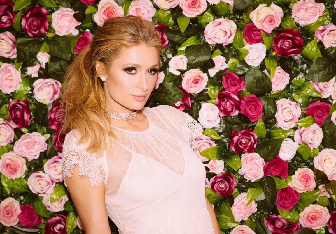 Paris Hilton e la nuova collaborazione con il brand di moda Boohoo