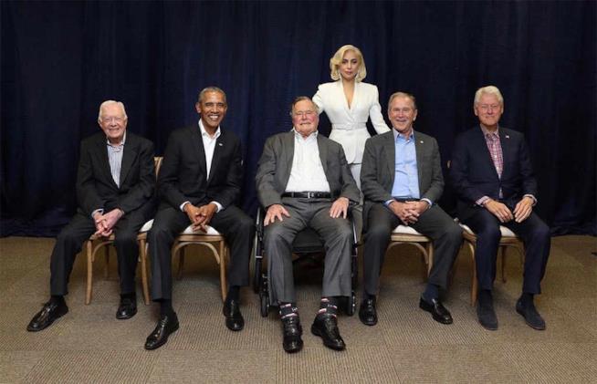 Lady Gaga insieme a 5 presidenti degli USA al concerto per le vittime degli uragani