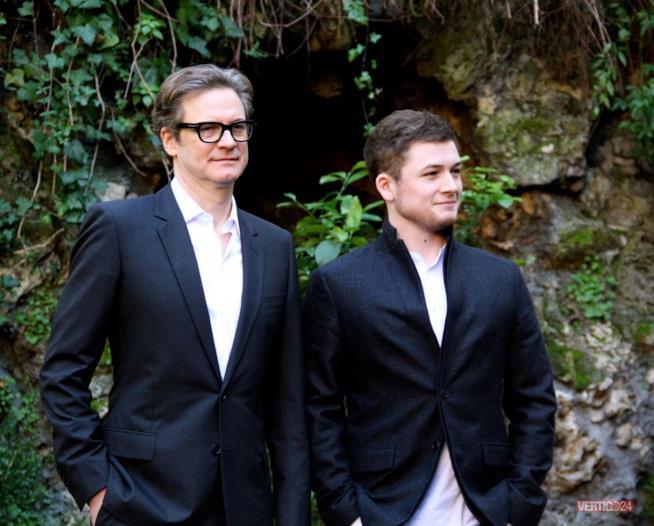 Una recente immagine di Colin Firth assieme a un figlio