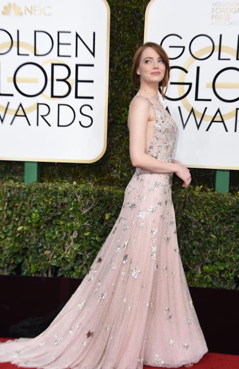 L'abito Maison Valentino coperto di stelle di Emma Stone