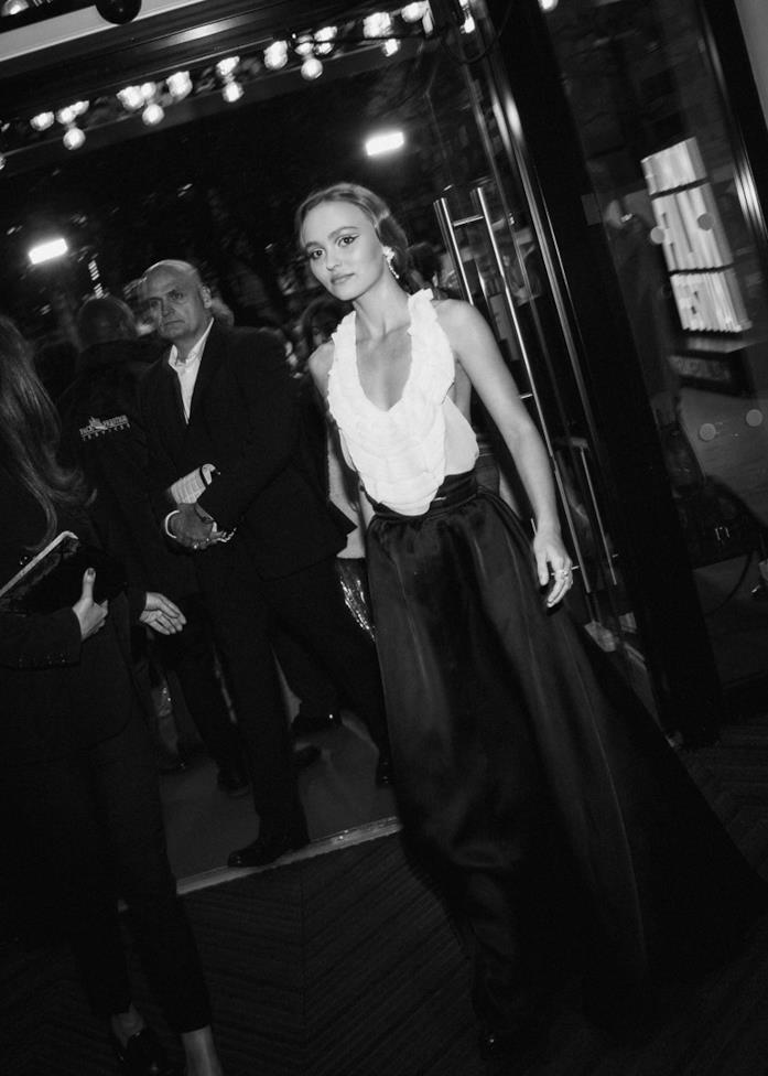 Lily-Rose Depp sul red carpet di The King
