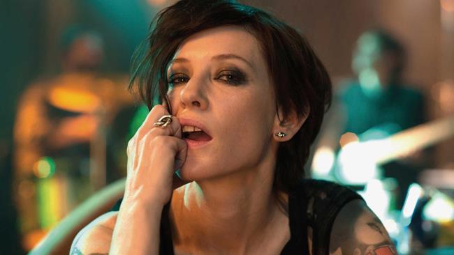Cate Blanchett in uno scatto dal film Manifesto
