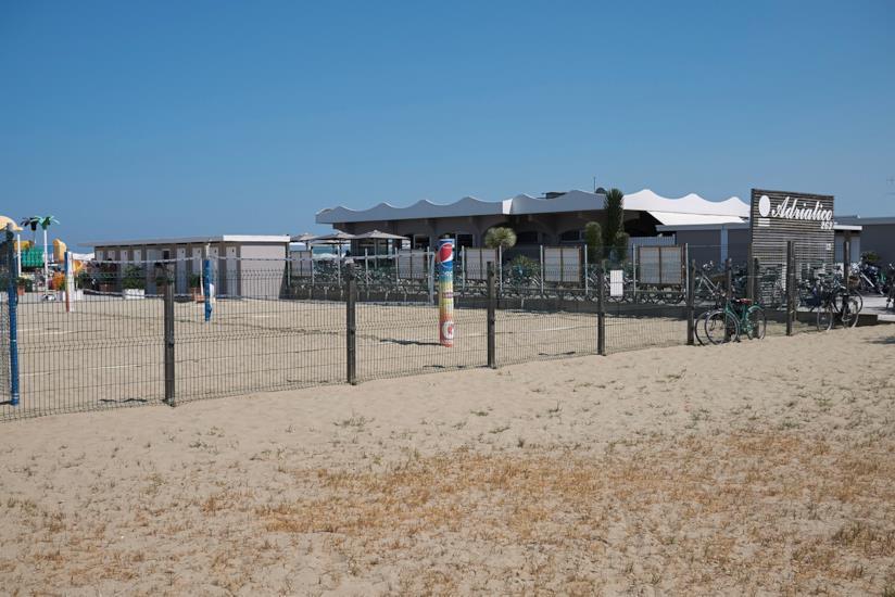 Campo da beach volley sulla spiaggia di Milano Marittima