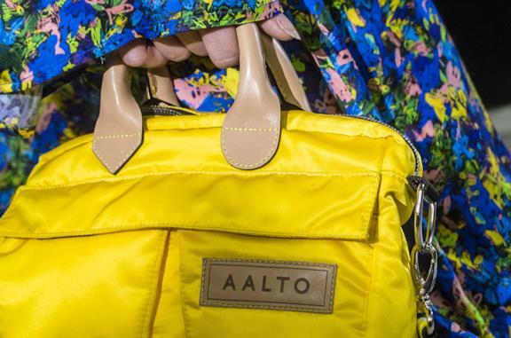 Borsa gialla in neoprene Aalto
