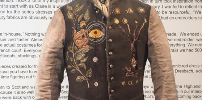 Il particolare del costume di Maestro Raymond
