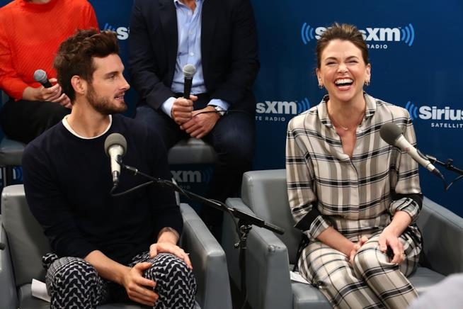 Sutton Foster e Nico Tortorella