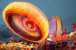 Parchi divertimento, tra giostre e attrazioni adrenaliniche