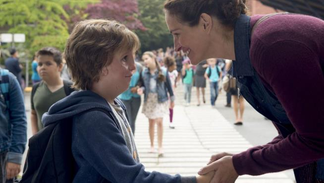 Julia Roberts e Jacob Tremblay in una scena di Wonder