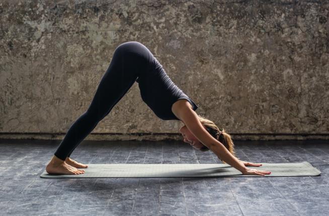 Una posizione dello Hatha Yoga