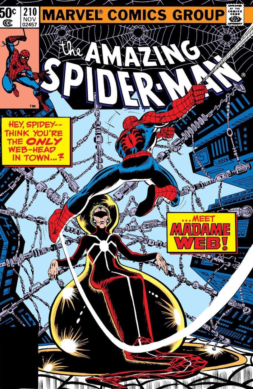 Madame Web circondata dalle ragnatele e Spider-Man, di spalle, in volo verso di lei