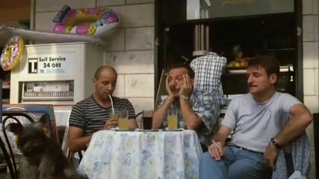 Una scena di Tre uomini e una gamba