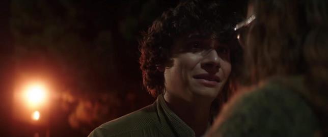 Austin Zajur in una scena di Scary Stories to Tell in the Dark