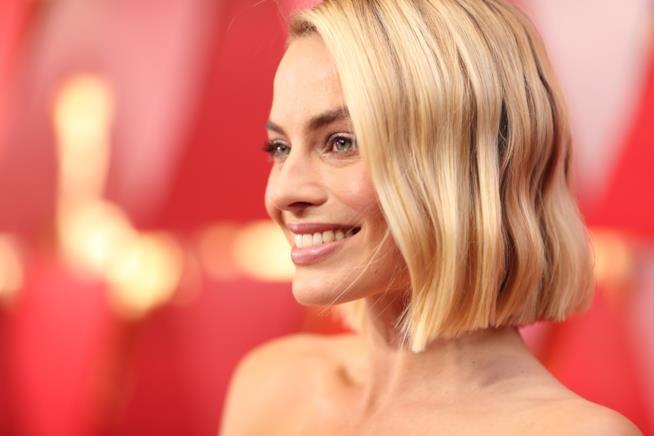 Margot Robbie sorride agli Oscar